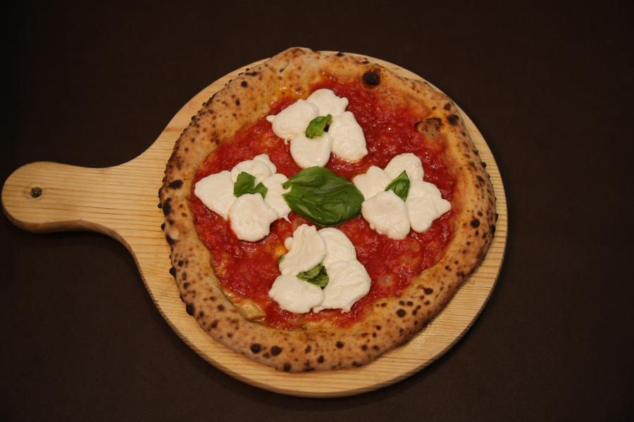 Pizza Petalosa di Valerio Di Vaio