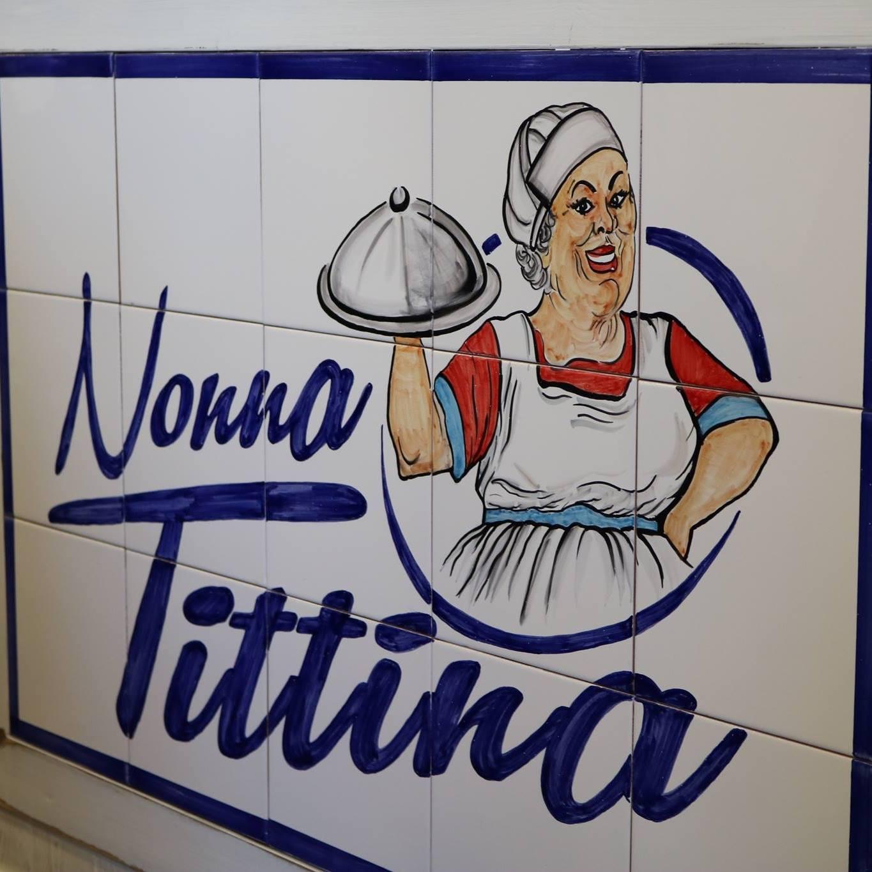 """""""Nonna Tittina"""" al Centro Direzionale"""