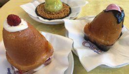 Chalet Ciro strega i golosi con dolci al cucchiaio, pasticcini e babà
