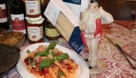 Suggestioni dal passato e squisita napoletanità, pizzeria Pullecenella