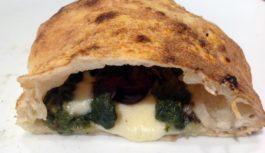 Nel cuore di Napoli, Franco Pizzeria è il regno del 'ripieno'